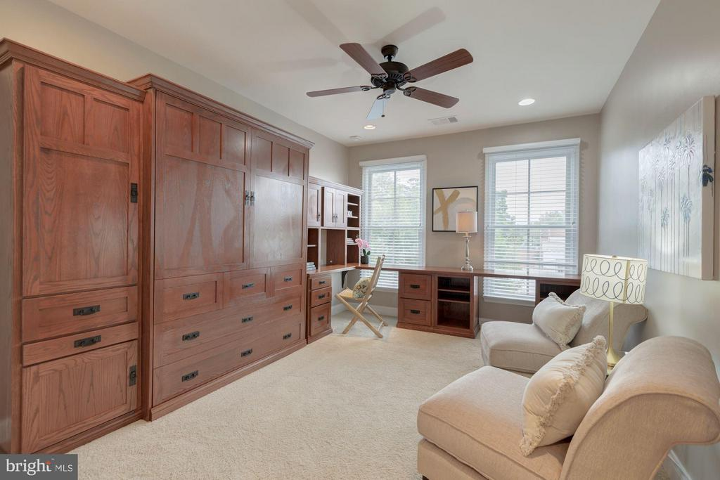 Built in murphy bed and desk - 1115 CAMERON ST #305, ALEXANDRIA