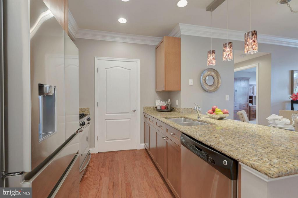 Granite and stainless steel appliances - 1115 CAMERON ST #305, ALEXANDRIA