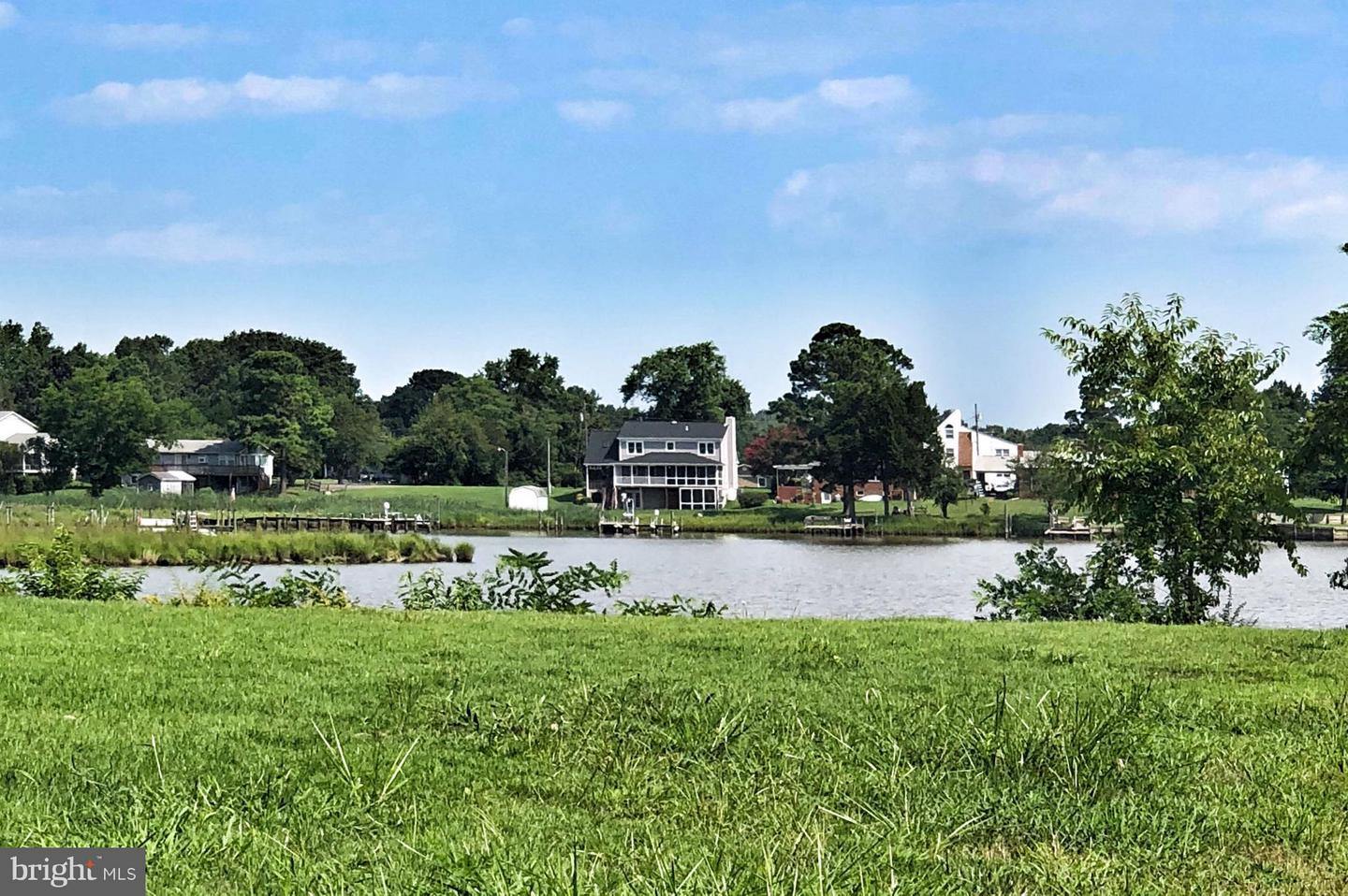 Single Family Home for Sale at 84 Avalon Drive 84 Avalon Drive Colonial Beach, Virginia 22443 United States