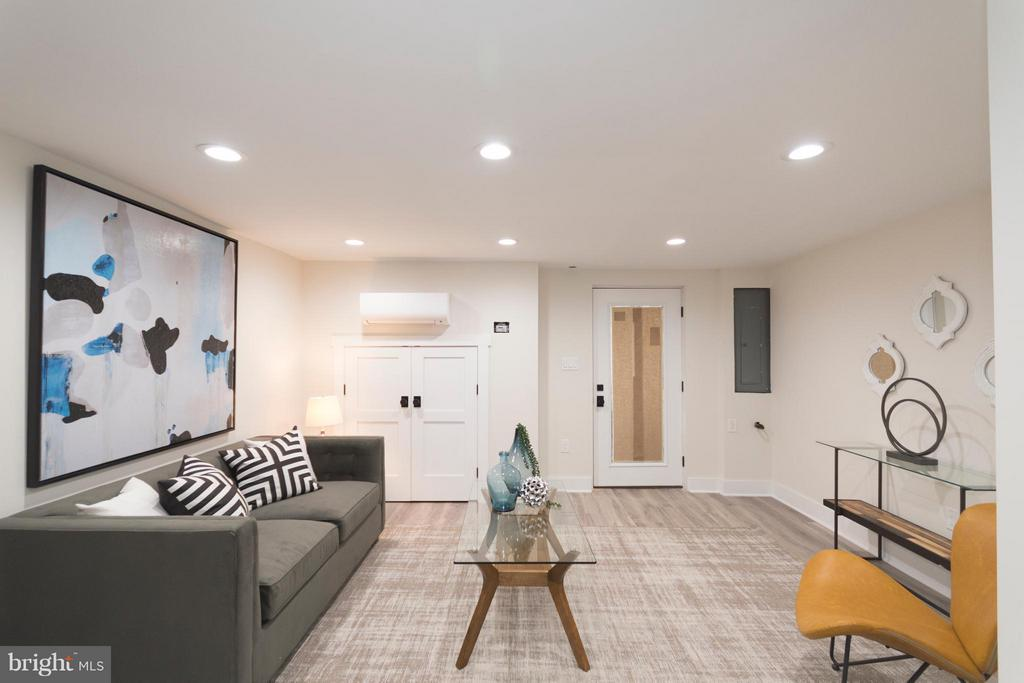Basement living room - zone heating - 642 COLUMBIA RD NW, WASHINGTON