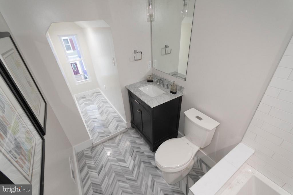 3rd floor Bath with marble floor - 642 COLUMBIA RD NW, WASHINGTON