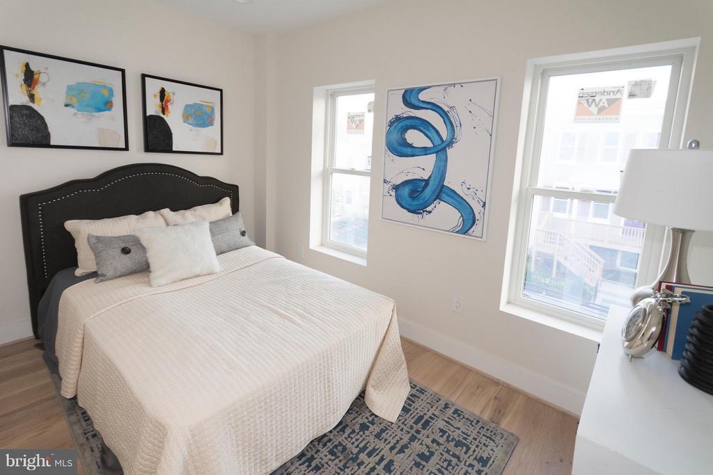 3rd Bedroom on second floor - 642 COLUMBIA RD NW, WASHINGTON