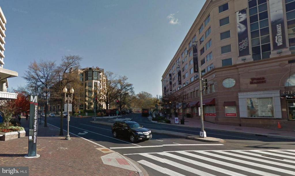 Steps away from Friendship Heights Metro! - 5500 FRIENDSHIP BLVD #817N, CHEVY CHASE