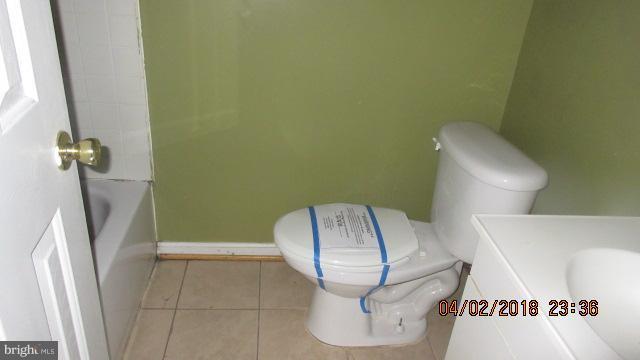 Bath - 1240 18TH ST NE #4, WASHINGTON