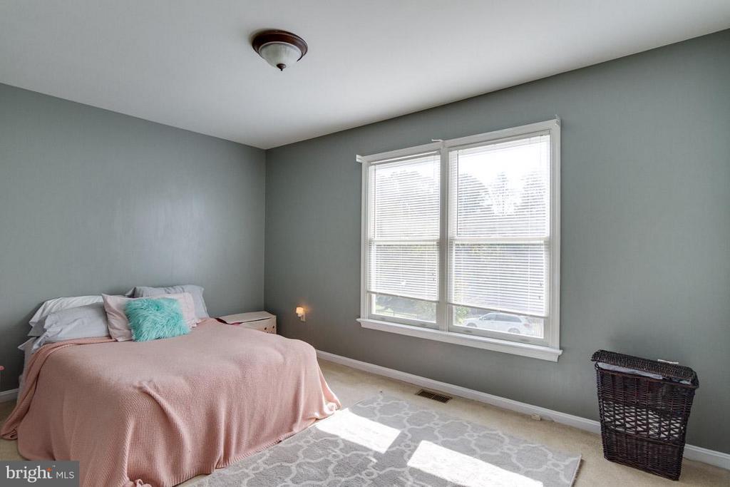 Bedroom 2 upper level - 24 BRENTWOOD LN, FREDERICKSBURG