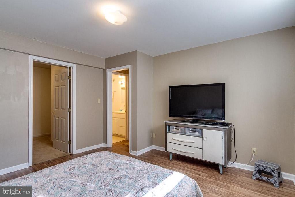 Lower level bedroom - 24 BRENTWOOD LN, FREDERICKSBURG