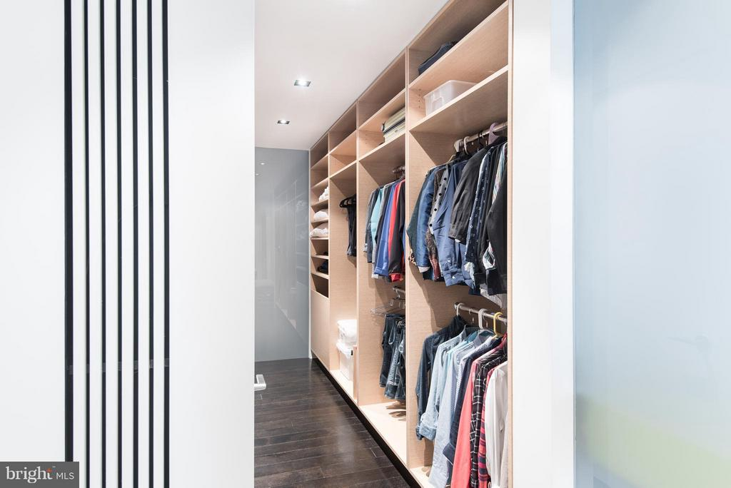 Large walk in closet with flex storage - 2101 CONNECTICUT AVE NW #24, WASHINGTON
