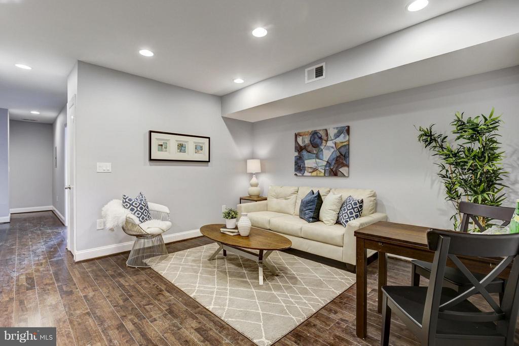 Living Room - 1725 TRINIDAD AVE NE #4, WASHINGTON
