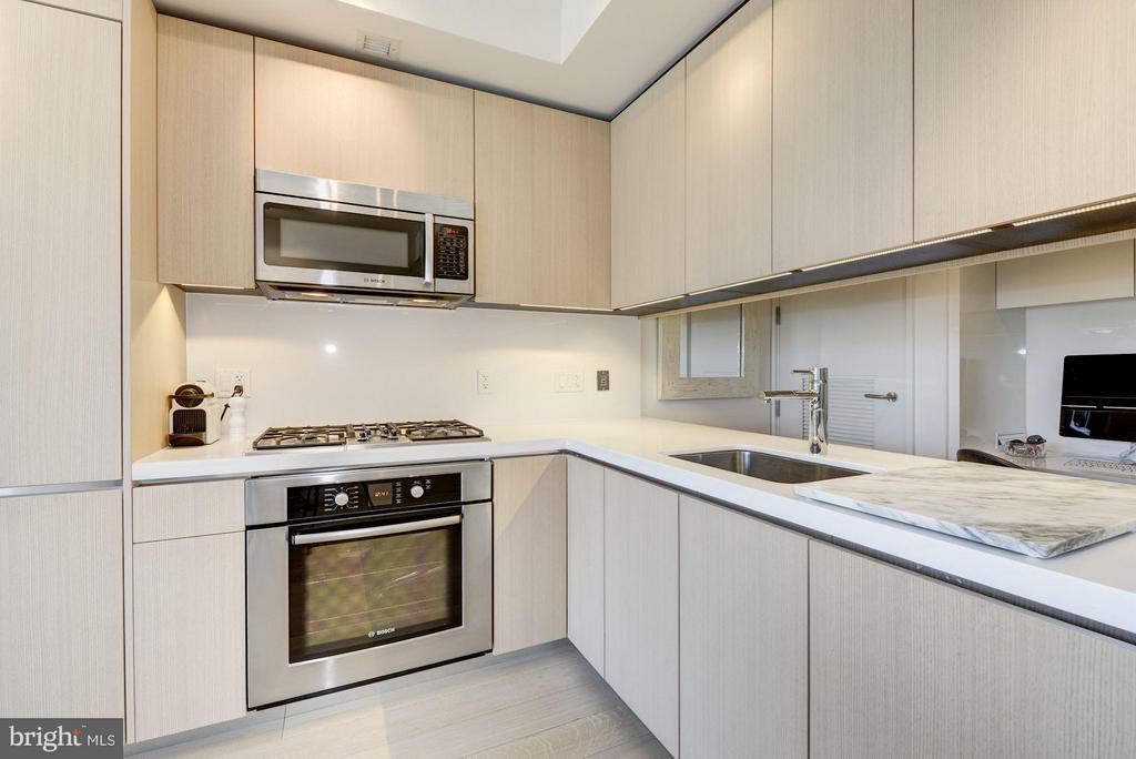 Kitchen - 920 I ST NW #1006, WASHINGTON
