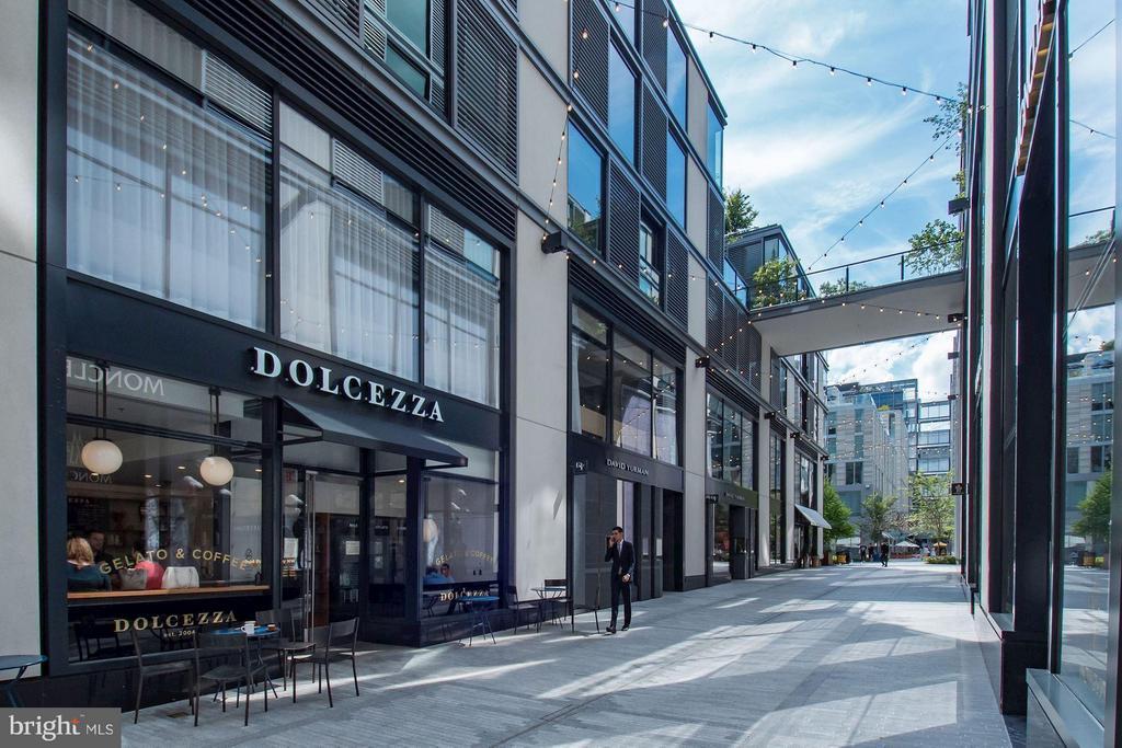 Shopping and Restaurants at City Center - 920 I ST NW #1006, WASHINGTON