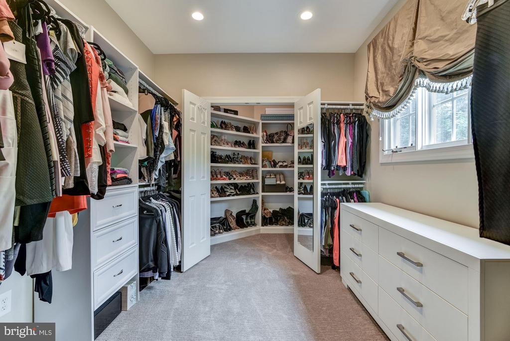 Two custom walk-in closets - 734 STILL CREEK LN, GAITHERSBURG