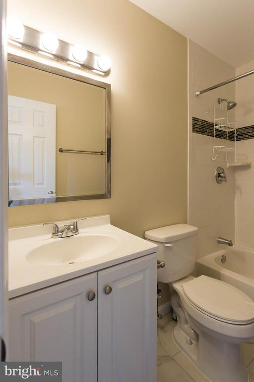 Newly renovated owners suite bathroom - 9094 FLORIN WAY, UPPER MARLBORO