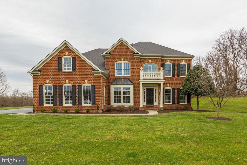 Elegant Brick Home - 22910 PEACH TREE RD, CLARKSBURG