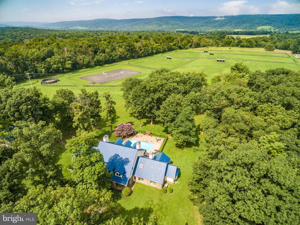 94 Acres at the foot of the Blue Ridge Mountains. - 20022 TRAPPE RD, BLUEMONT