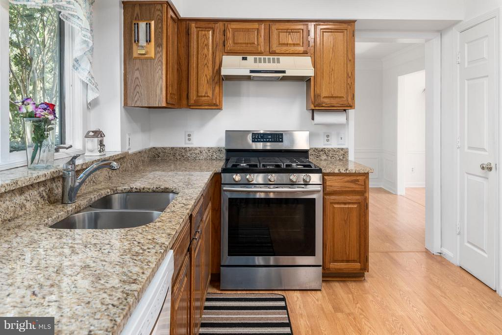 Lots of Room to Cook in this Kitchen! - 3 TERI LYN CT, FREDERICKSBURG