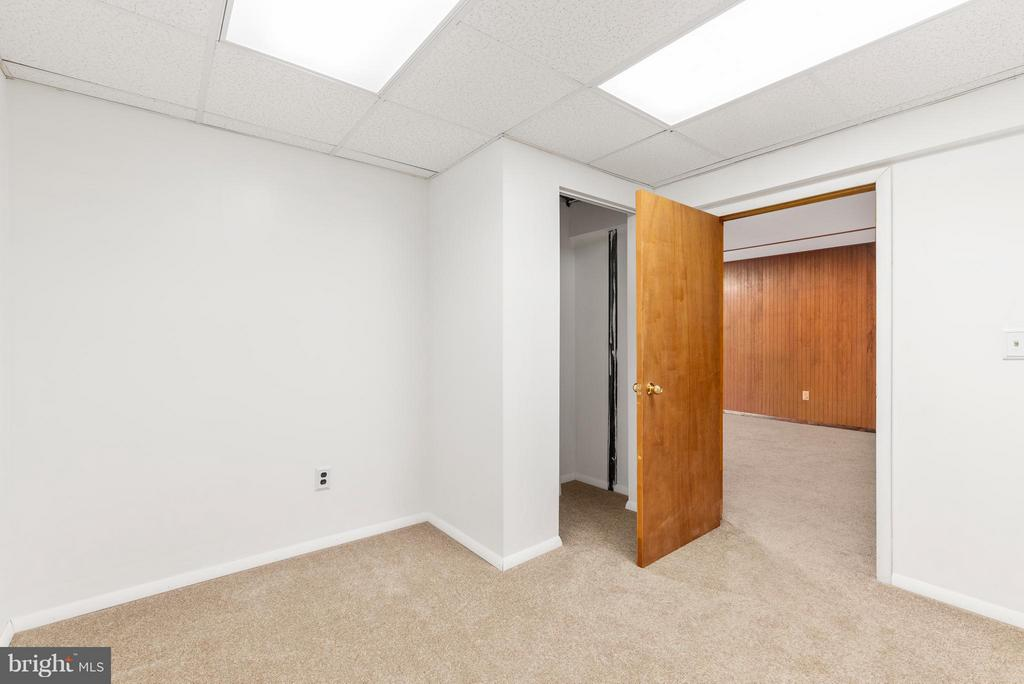 Extra Room- Perhaps an Office? - 3 TERI LYN CT, FREDERICKSBURG