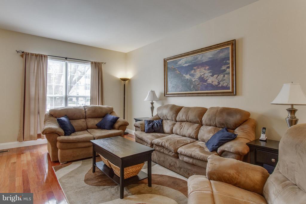 Living Room - 4411 TORRENCE PL, WOODBRIDGE