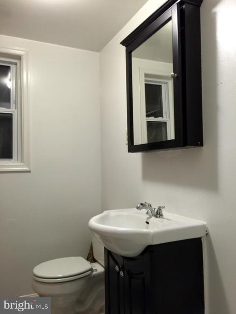Bath - 5055 SHERIFF RD NE, WASHINGTON