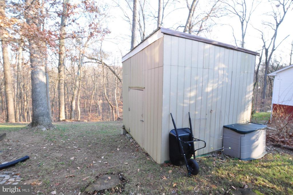 Huge Side Yard Storage Shed - 4311 WENDY CT, MONROVIA