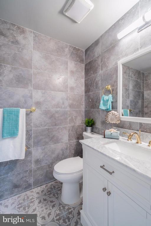 Bath (Master) - 6535 KERNS RD, FALLS CHURCH