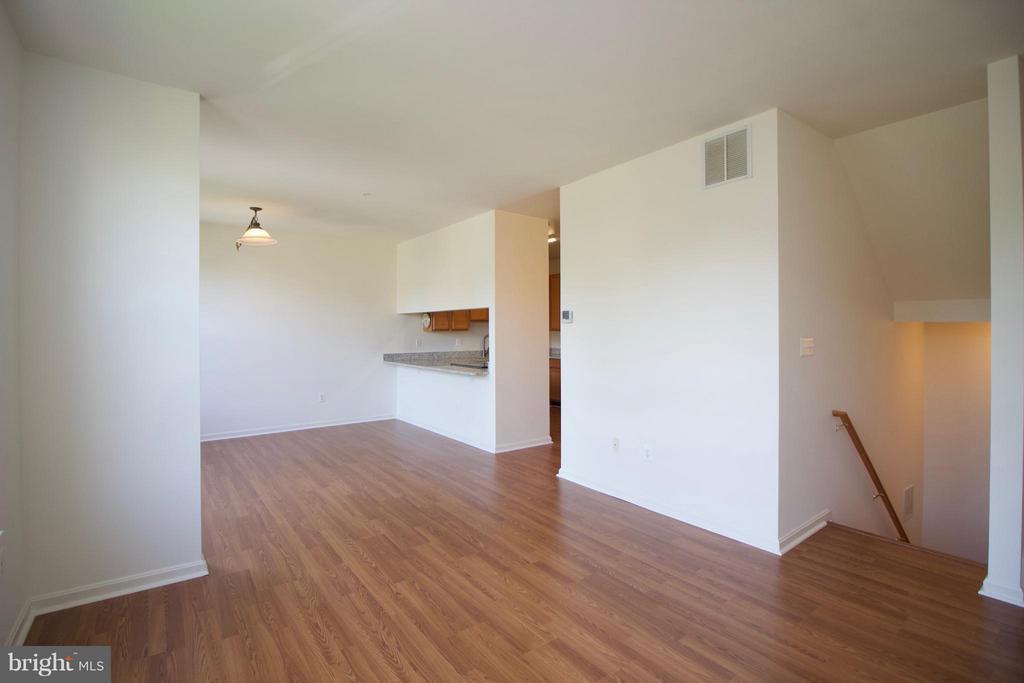 Living Room - 1611 FAIRMOUNT AVE, BALTIMORE