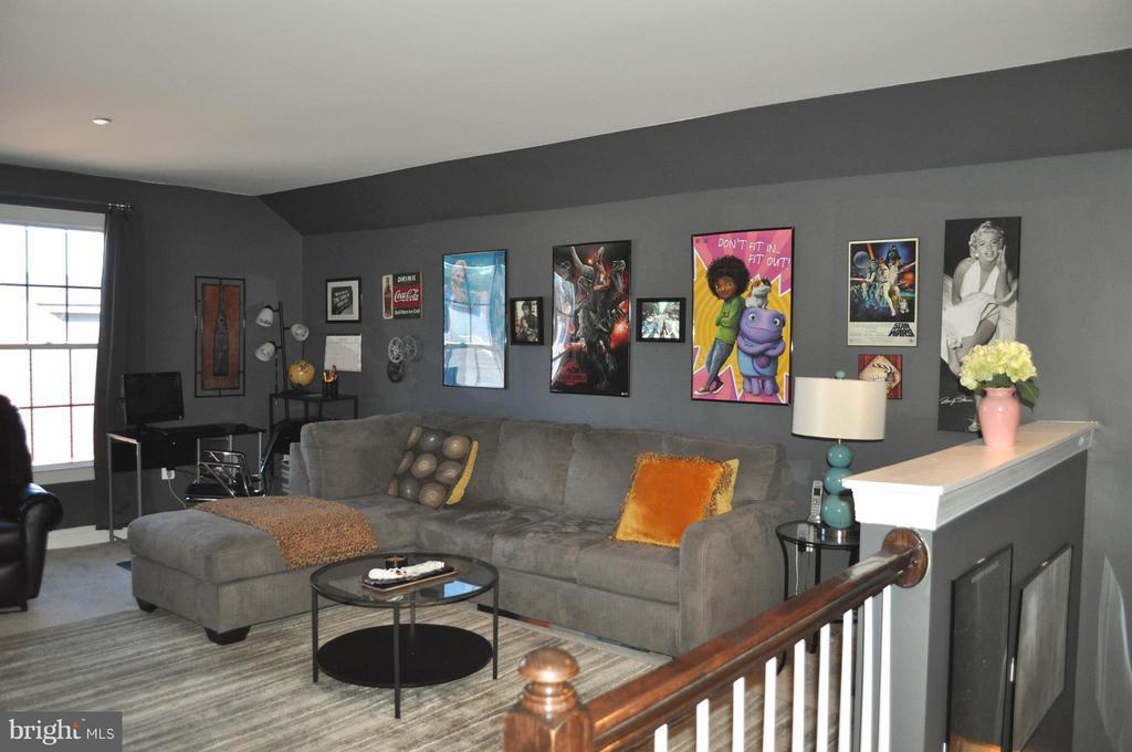 Third level loft - 6134 NEW HAMPSHIRE AVE NE, WASHINGTON