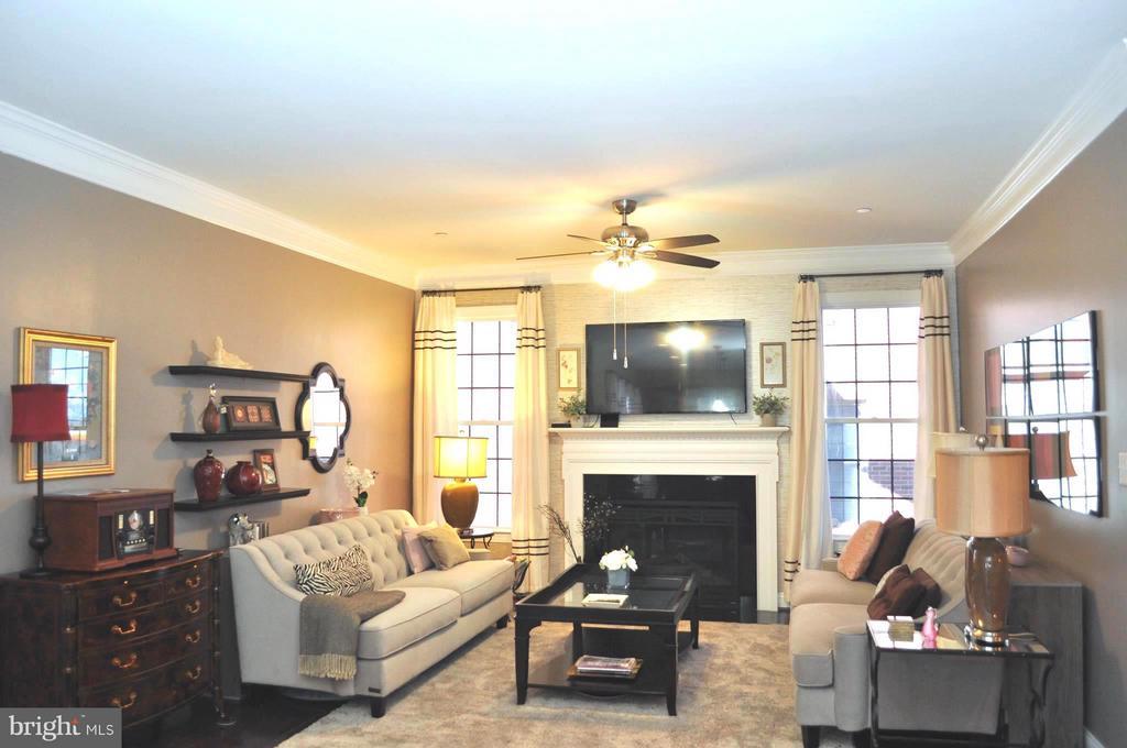 Living Room - 6134 NEW HAMPSHIRE AVE NE, WASHINGTON