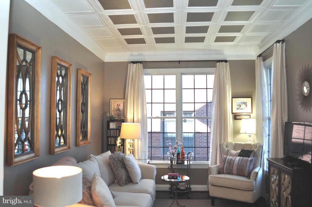 Family Room - 6134 NEW HAMPSHIRE AVE NE, WASHINGTON