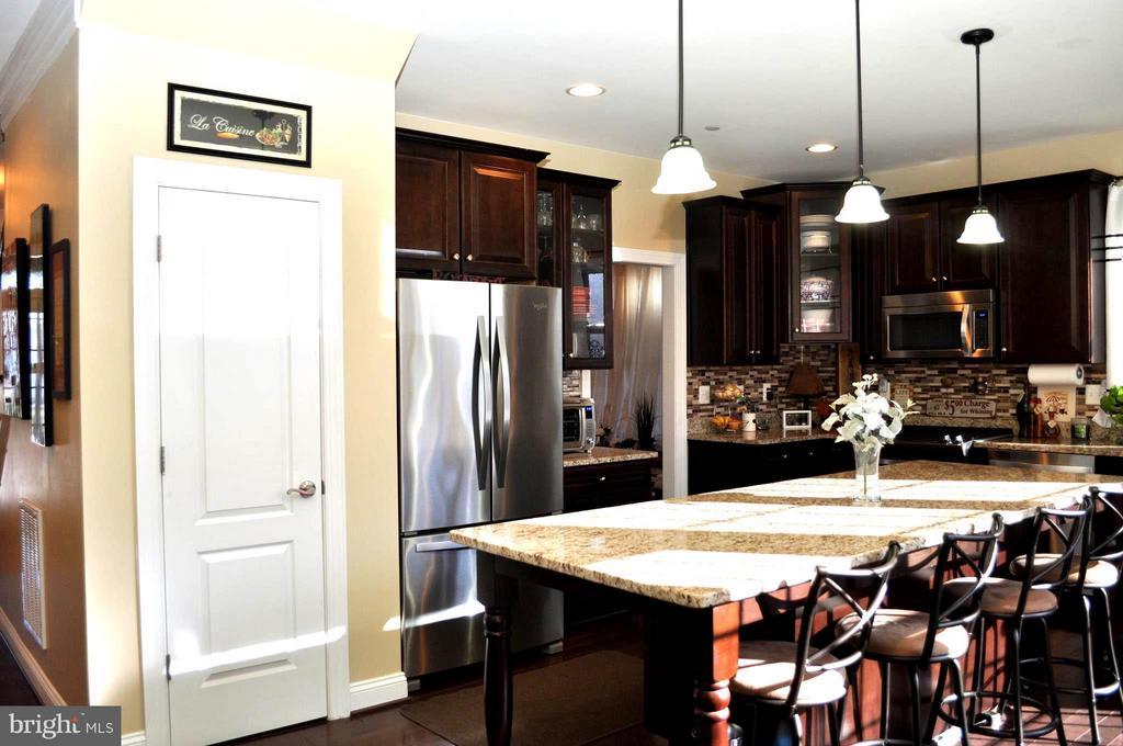 Kitchen - 6134 NEW HAMPSHIRE AVE NE, WASHINGTON