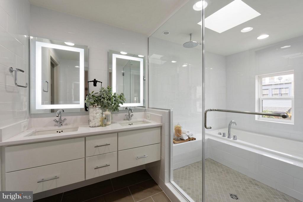 Master bath w wet room and backlit mirrors. - 322 ADOLF CLUSS CT SE #N, WASHINGTON
