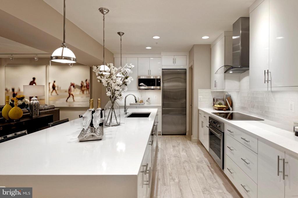 Kitchen with large walk-in pantry. - 322 ADOLF CLUSS CT SE #N, WASHINGTON