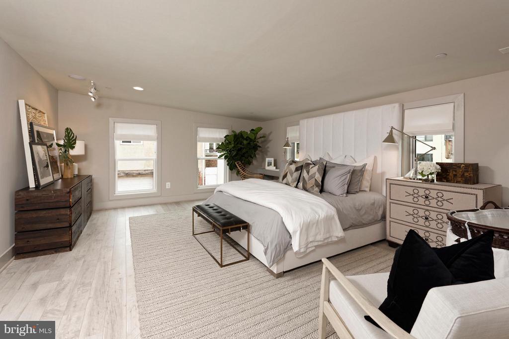 Master Bedroom w. two exposures. - 322 ADOLF CLUSS CT SE #N, WASHINGTON