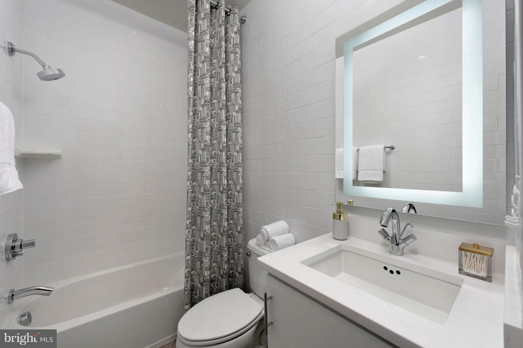 Bedroom bath #2 - 322 ADOLF CLUSS CT SE #N, WASHINGTON