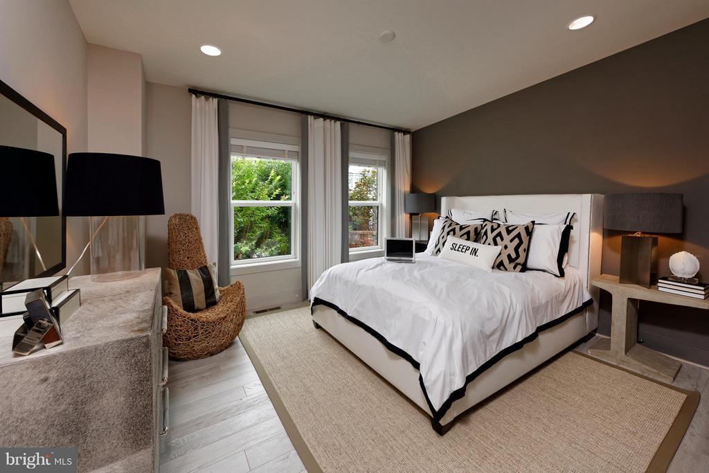 Bedroom #3  w. full bath and walk-in closet - 322 ADOLF CLUSS CT SE #N, WASHINGTON