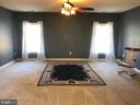 Super master bedroom suite. - 6 SCARLET FLAX CT, STAFFORD