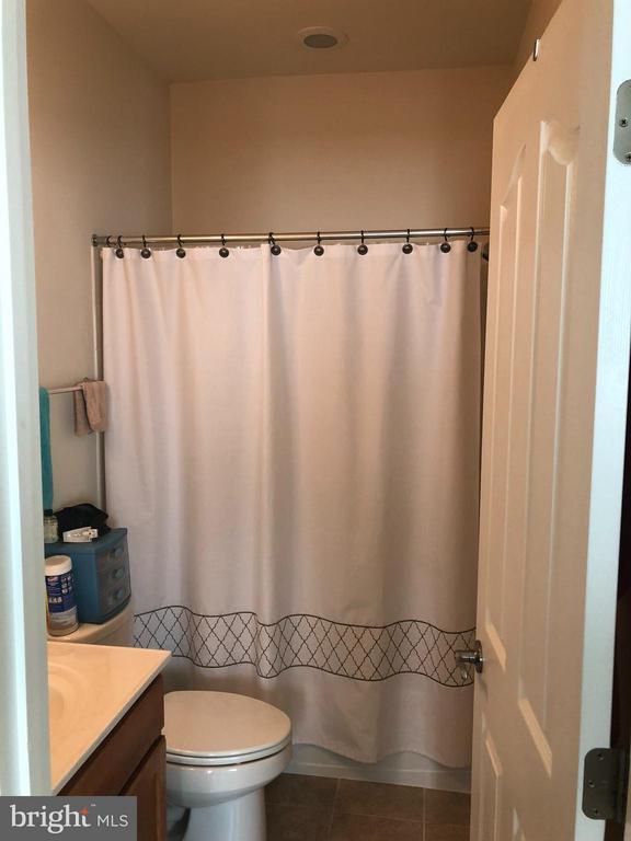 4th bedroom full bath. - 6 SCARLET FLAX CT, STAFFORD