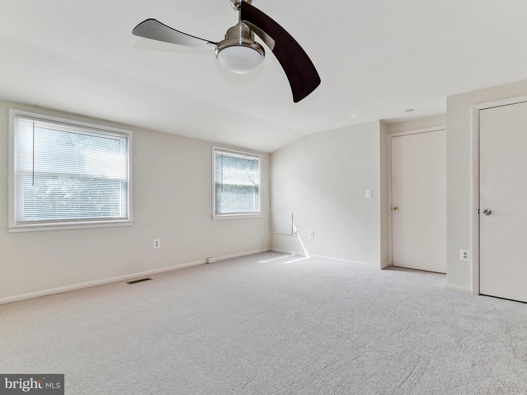 Bedroom 4 - 14212 MAPLEDALE AVE, WOODBRIDGE