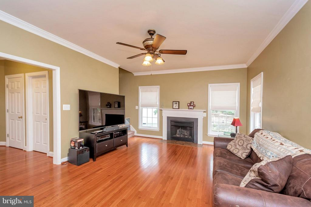 Living Room with Gas Fireplace - 11904 BUTTERCUP LN, FREDERICKSBURG