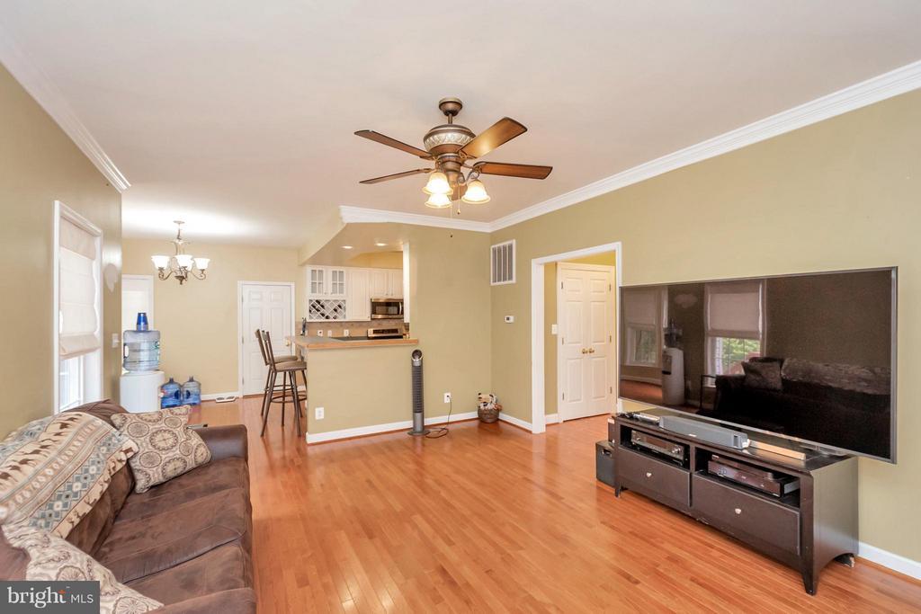 Living Room with Hardwood Floors - 11904 BUTTERCUP LN, FREDERICKSBURG