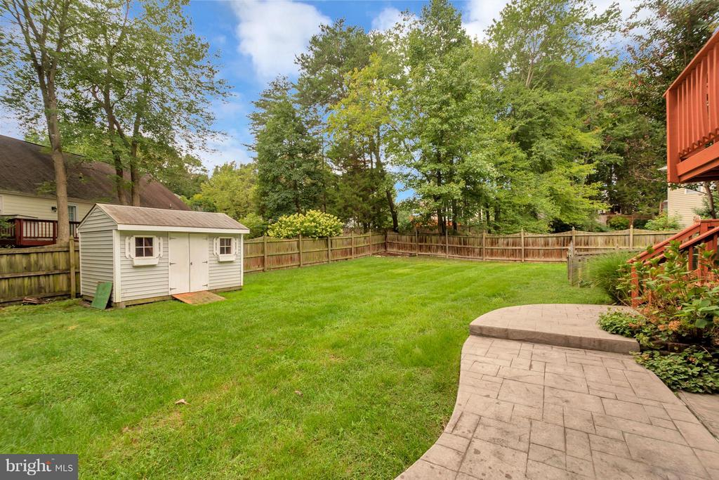 Lush Lawn, Fully Fenced, & Shed - 11904 BUTTERCUP LN, FREDERICKSBURG