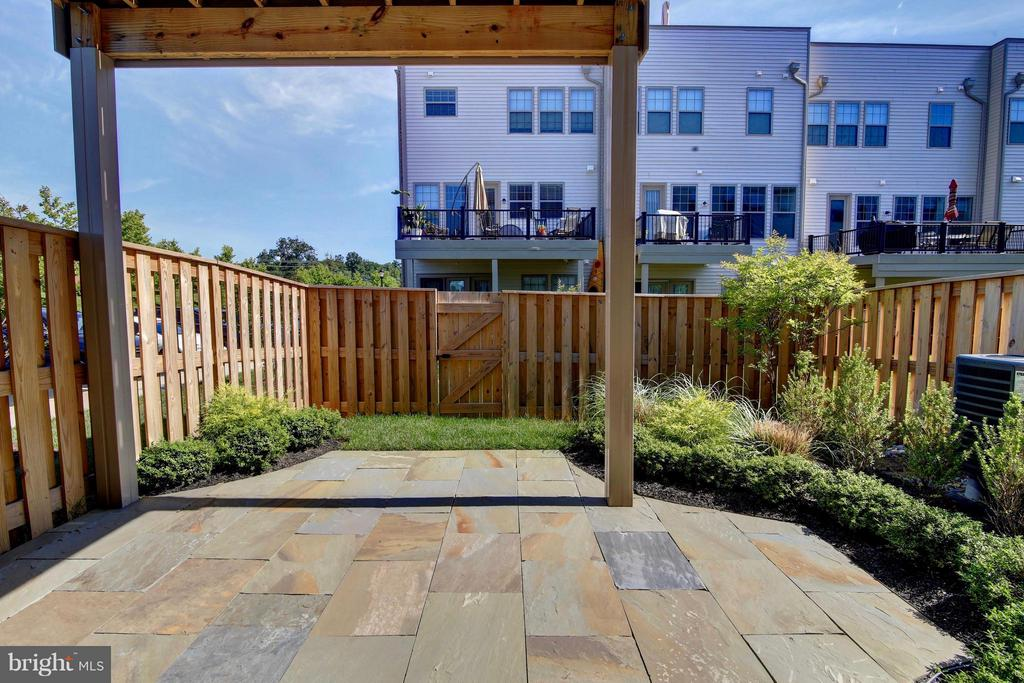 Slate Patio - 23386 EPPERSON SQ, ASHBURN