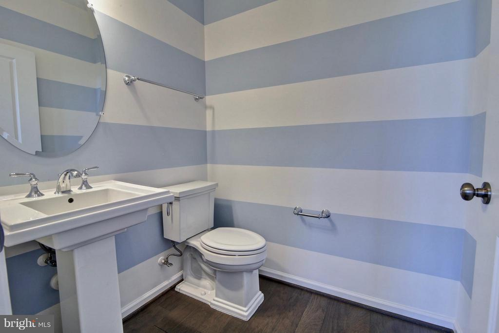 Hall Bath - 23386 EPPERSON SQ, ASHBURN