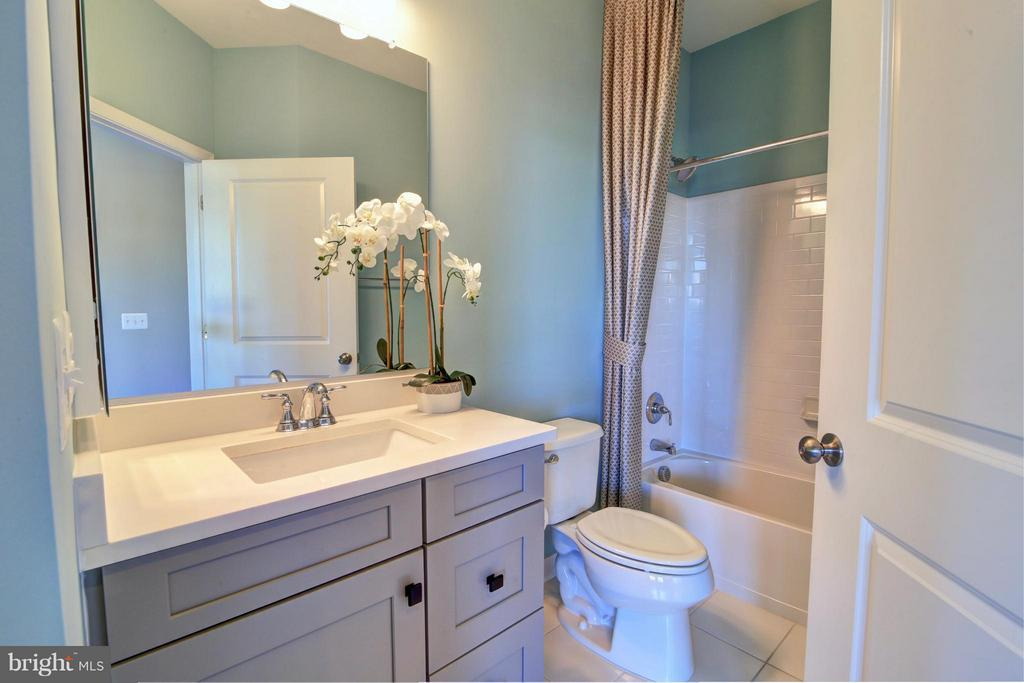 3rd Level Hall Bath - 23386 EPPERSON SQ, ASHBURN