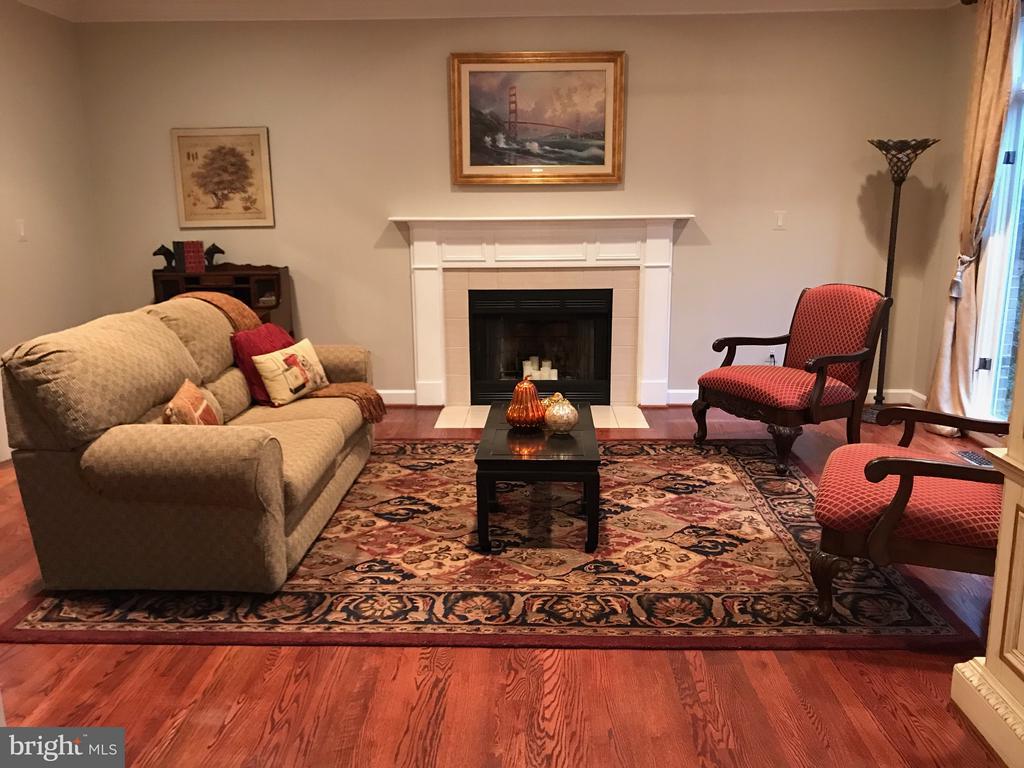 Living Room with Beautiful Hardwoods - 1309 STAMFORD WAY, RESTON