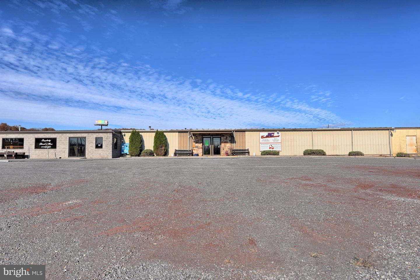 Retail for Sale at Mifflintown, Pennsylvania 17059 United States