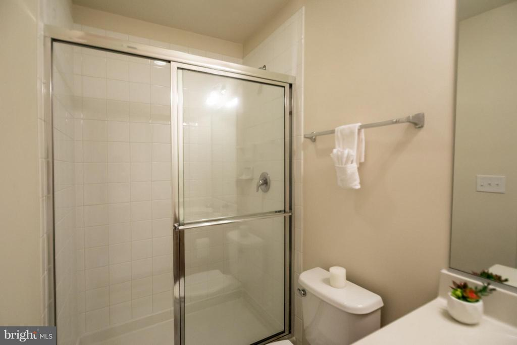 Bathroom - 9228 PRESCOTT AVE, MANASSAS