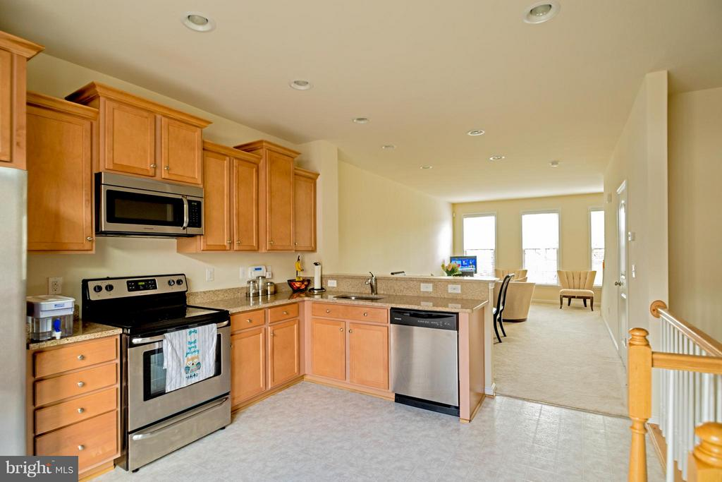Kitchen - 9228 PRESCOTT AVE, MANASSAS