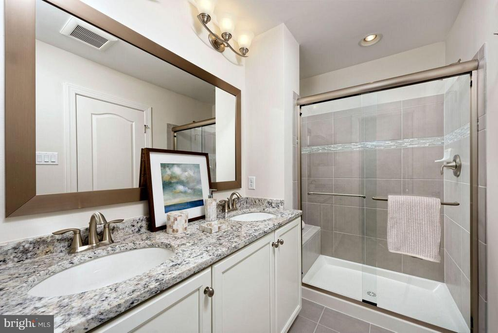 Bath (Master) - 602 JAMES WALKER PL, ANNAPOLIS