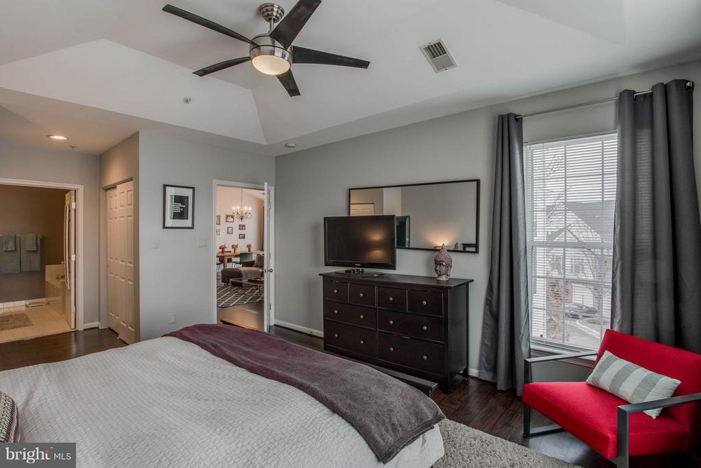 Bedroom (Master) - 25272 RIFFLEFORD SQ #301, CHANTILLY