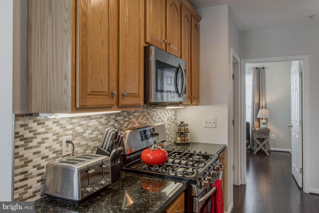 Kitchen - 25272 RIFFLEFORD SQ #301, CHANTILLY